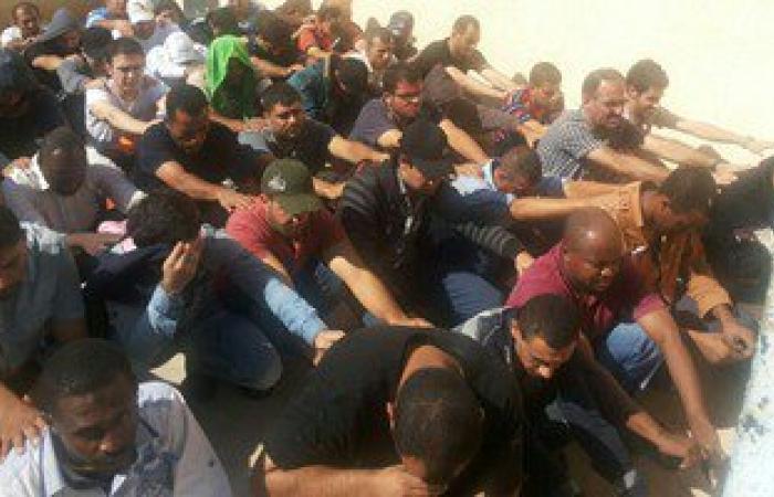 ليبيا تعتقل مئات المهاجرين غير الشرعيين قبل توجههم لأوروبا