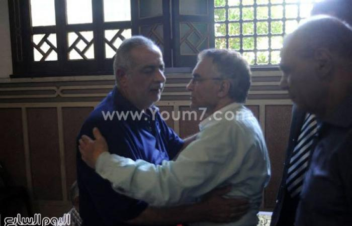 بالصور..المئات يشيعون جنازة المستشار مجدى مبروك شهيد حادث العريش