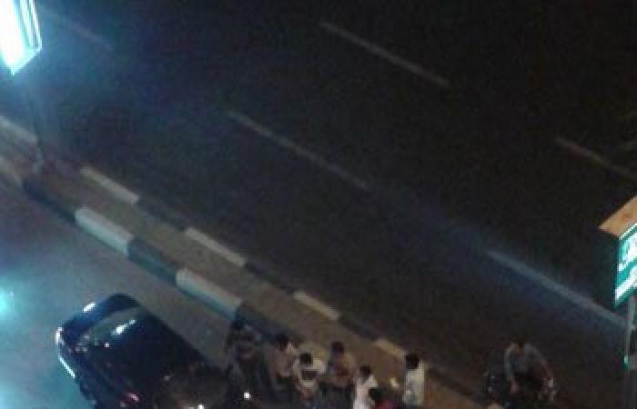 """بالصور.. زحام مرورى فى شارع """"البطل"""" بالمهندسين إثر اصطدام سيارتين"""