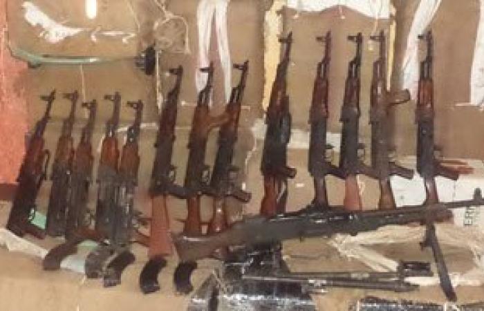 ضبط 10 قطع سلاح من بينها بنادق آلية وخرطوش فى حملة أمنية بسوهاج