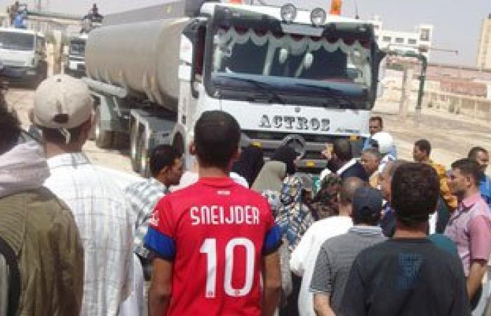رئيس مركز الخارجة: نقل مياه الشرب  لحى المجاهدين لحين إنشاء المحطة