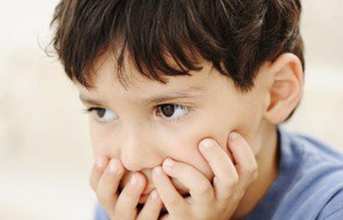 خليه يحلل سكر.. لا تتجاهلى شكوى طفلك من الشعور بالإرهاق أو العطش