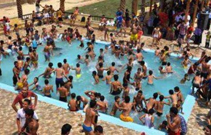 مفاجأة.. التبول فى حمام السباحة يسبب احمرار العين والكلور برىء