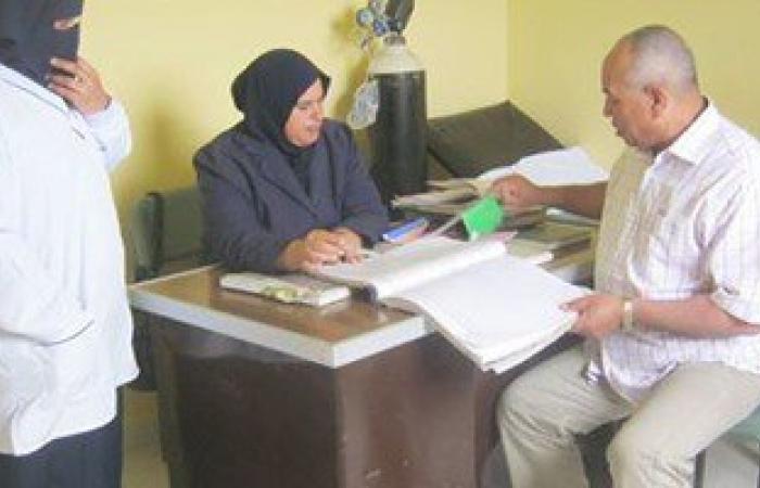رئيس مدينة فارسكور يتفقد قرية السرو وينتقد تكرار غياب طبيب الوحدة الصحية