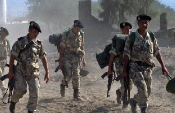 الجيش الجزائرى ينشر 12 الف عسكرى على طول الحدود مع تونس
