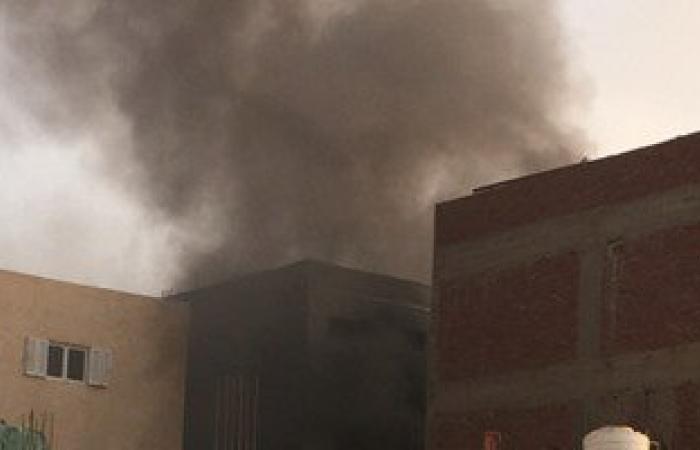 السيطرة على حريق نشب فى مخلفات أعلى عقار بشبرا مصر