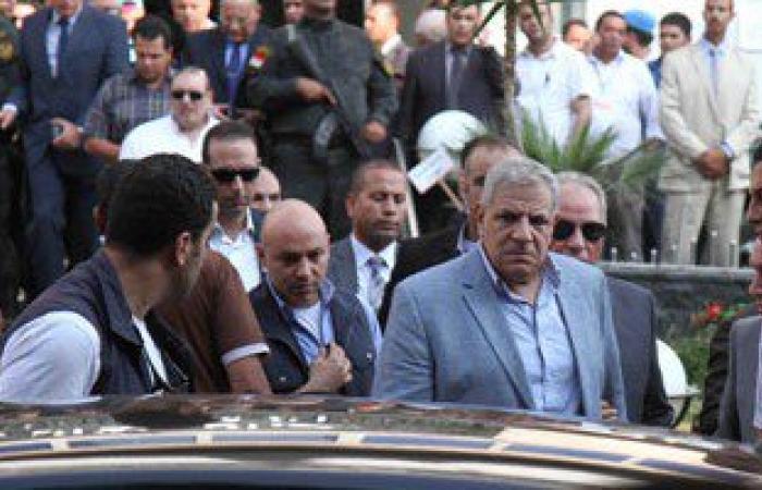 الوفد المرافق لزيارة محلب لأسوان يعود للقاهرة بعد استشهاد النائب العام