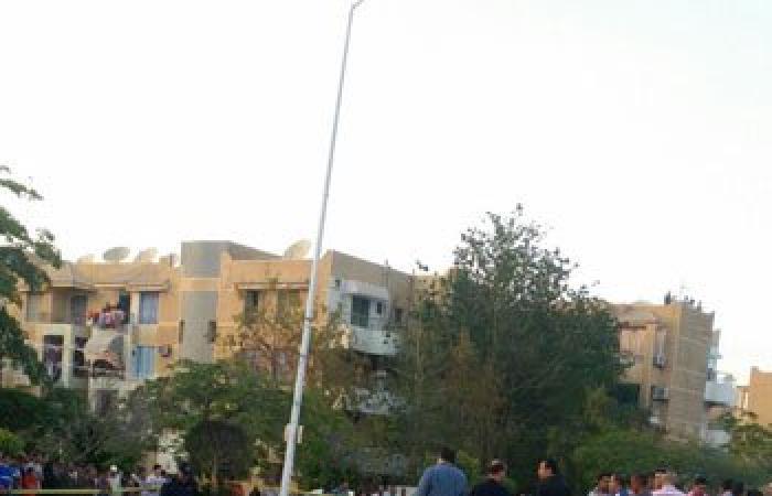 أول صور لانفجار سيارة بمحيط  قسم ثان أكتوبر ورجال المفرقعات يمشطون المنطقة