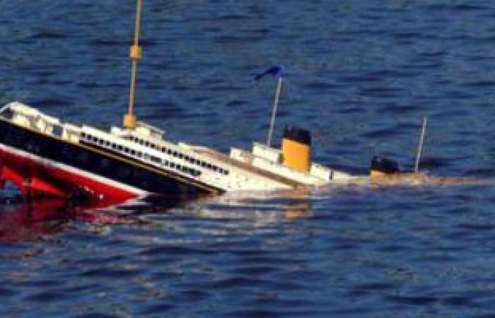 مصدر بميناء سفاجا: الدفع بلنشات بحرية لإنقاذ السفينة الغارقة