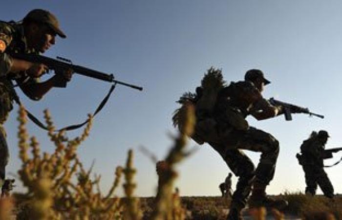 إصابة 4 جنود بالجيش الليبى أثناء تفكيكهم أحد الصواريخ فى بنغازى