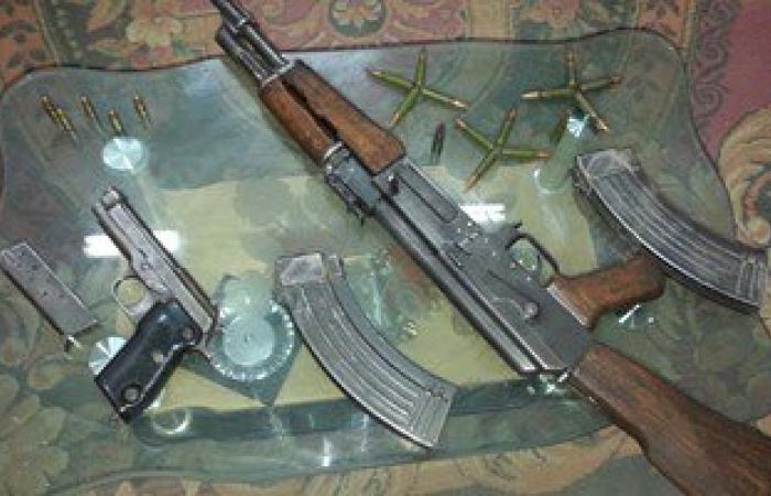 القبض على عاطلين بحوزتهما أسلحة نارية غير مرخصة فى بنى سويف