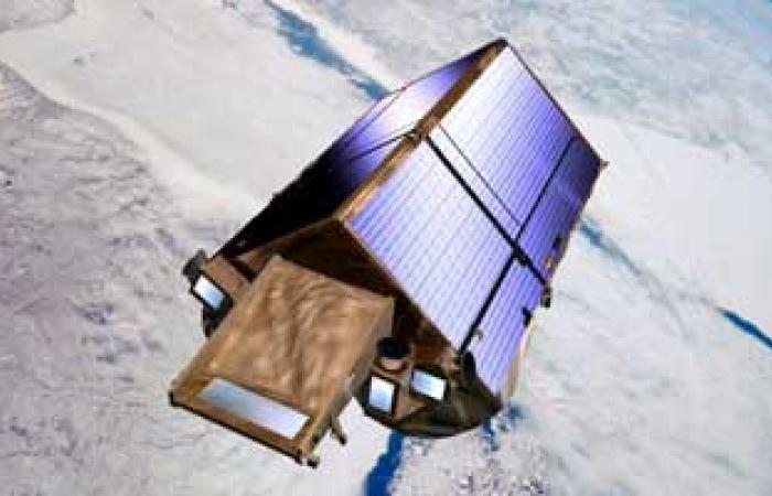 مصادر: مصر وقعت عقدا مع ألمانيا لتصنيع قمر صناعى جديد بحلول 2017
