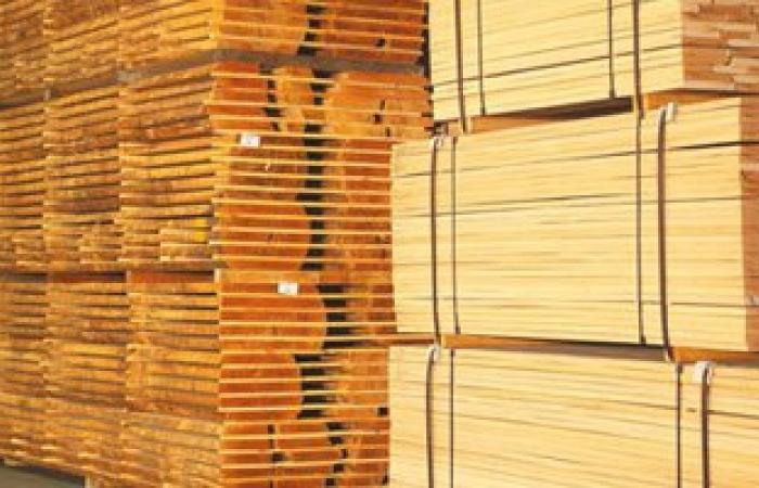 الاستفادة من كسر الخشب بتعليم كفر الشيخ فى تصنيع مقاعد وتخت