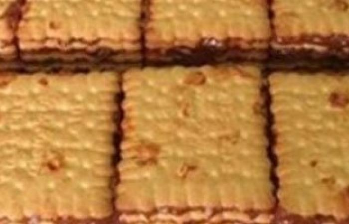 ضبط 225 ألف كرتونة بسكويت وكيك وحلويات منتهية الصلاحية ببنى سويف