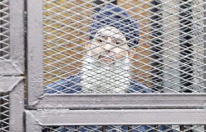 دفاع حازم أبو إسماعيل:  ترحيله إلى سجن العقرب وإيداعه زنزانة انفرادية
