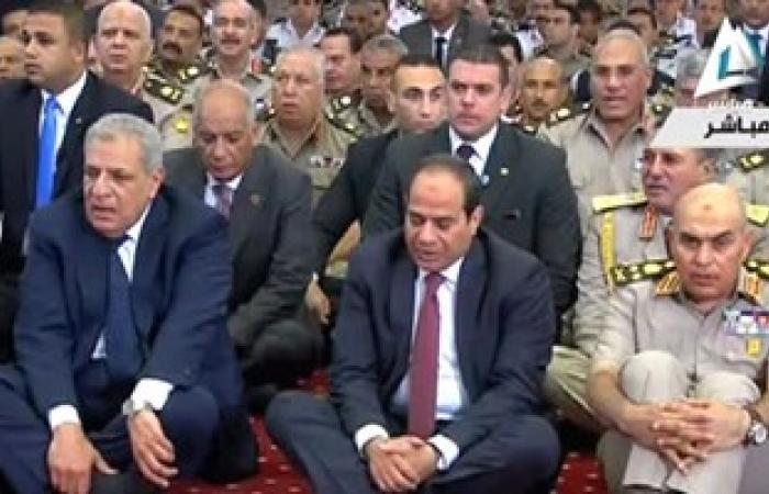 بالفيديو.. الرئيس السيسى يؤدى صلاة عيد الفطر بمسجد المشير طنطاوى