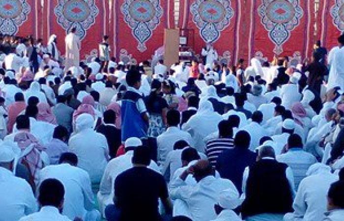 المئات يؤدون صلاة العيد بمطروح وشيخ الدعوة السلفية يلقى الخطبة