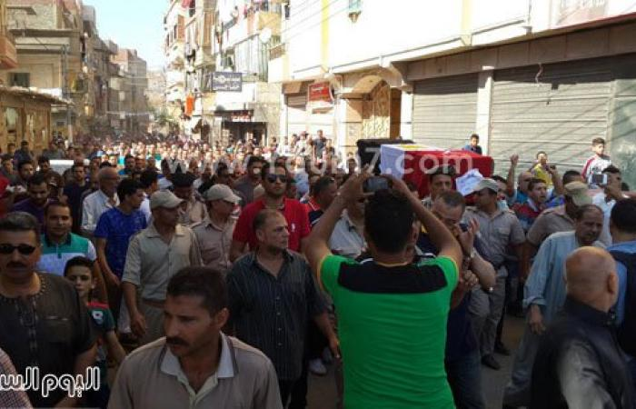 الآلاف يشيعون شهيد سيناء بطلخا بالدقهلية وسط ترديد هتافات مناهضة للإخوان