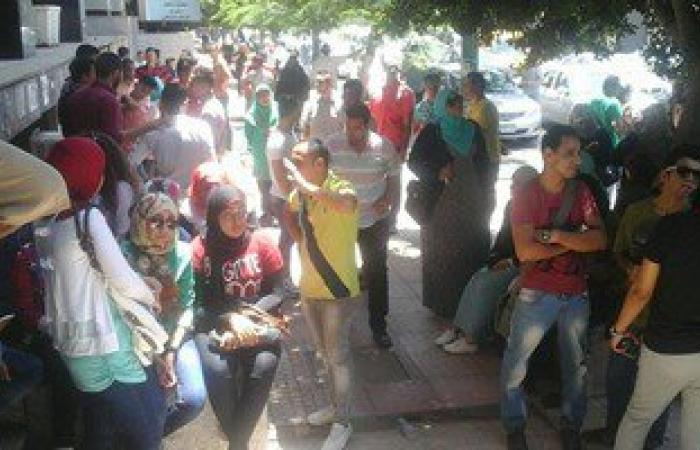 طلاب معهد مصر للهندسة بالمنصورة يطالبون بالتحقيق فى واقعة رسوب الدفعة