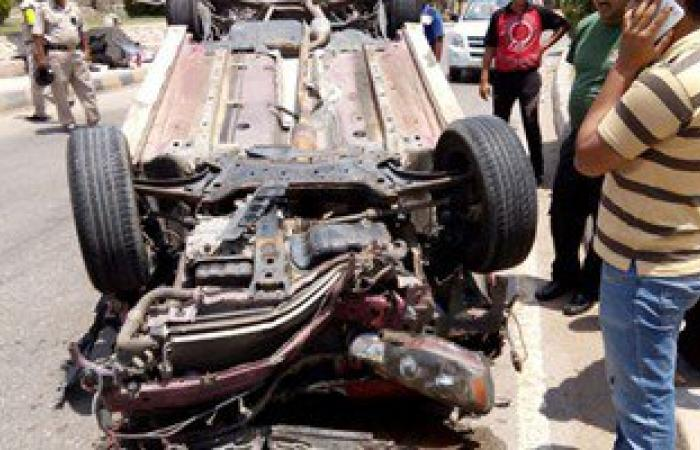 مصرع 2 وإصابة 3 فى حادث انقلاب سيارة على طريق سيوة