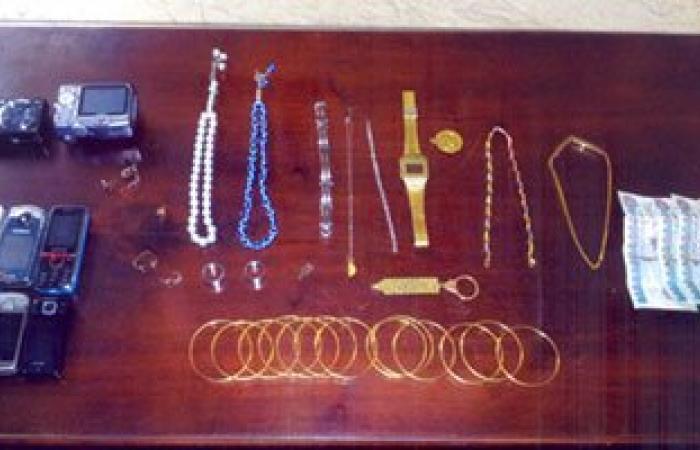 تجديد حبس 4 عاطلين بعد سرقة مصوغات ذهبية وأجهزة كهربائية من شقة بالمنيل