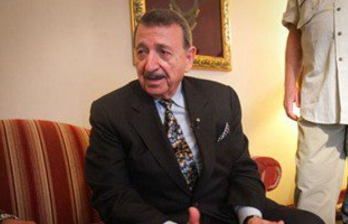 """مصطفى السيد يزور """"القومى للبحوث"""" ويلتقى فريق تجارب علاج السرطان بالذهب"""