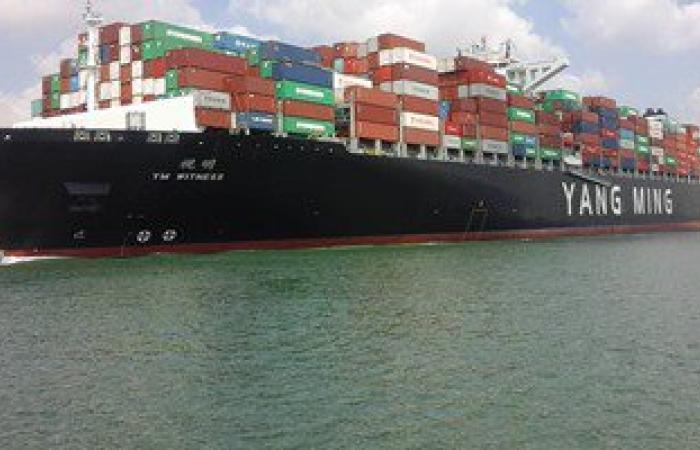 مهاب مميش: عبور سفينة حاويات دنماركية القناة الجديدة بحمولة 171 ألف طن