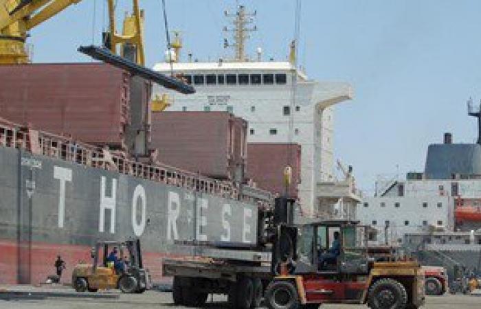 وصول 80 ألف طن فحم حجرى لميناء السخنة
