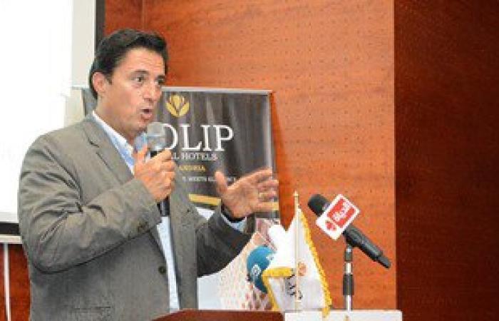 محافظ الإسكندرية: لجنة لدراسة أسباب تركز مياه الأمطار بالشوارع