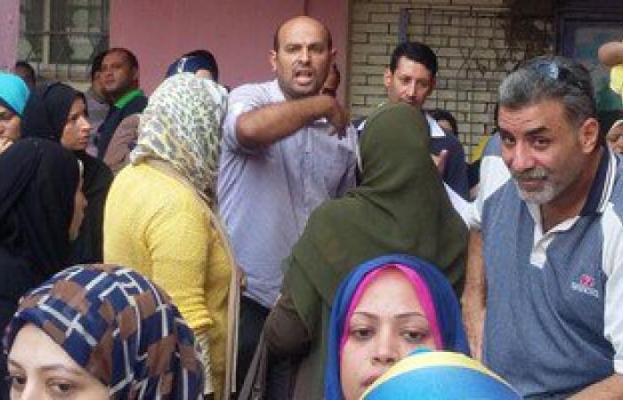 أولياء أمور مدرسة ناصر بمنيا القمح يفضون اعتصامهم بعد تخفيف كثافة الفصول