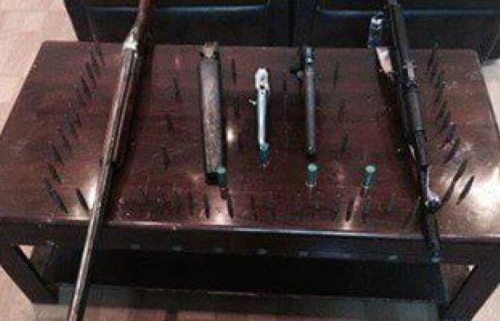 حبس عربجى لاتهامه بحيازة أسلحة نارية بالبساتين