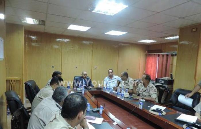 بالصور.. مدير أمن أسوان يجتمع بقائد القطاع العسكرى لبحث تأمين الانتخابات