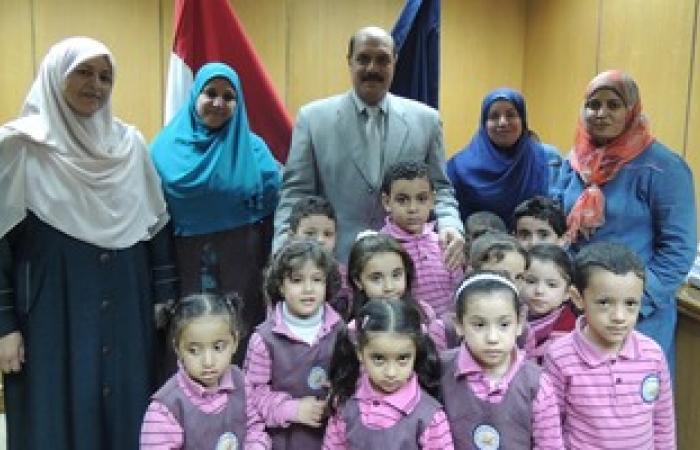 بالصور.. مدير أمن الفيوم يستقبل تلاميذ مدرسة الأندلس بمكتبه