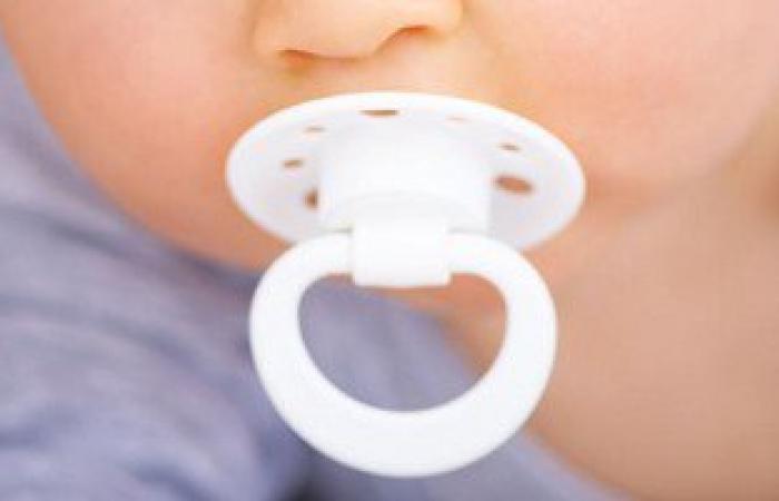 استشارى أطفال: السكاتة تسبب 70% من أمراض الأطفال