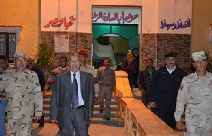 بالصور..محافظ الاسماعيلية يتابع سير الانتخابات من غرفة عمليات المحافظة