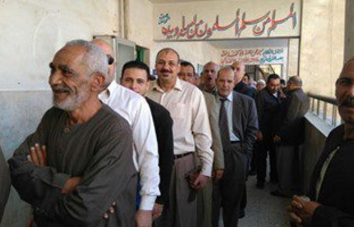"""ضبط """"لص"""" يسرق الناخبين بمدرسة الإمام الشافعى بالغربية"""