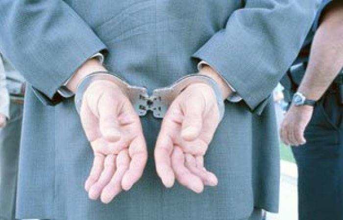 القبض على عامل بشركة بترول هارب من 3 قضايا تحريض على العنف بالإسكندرية