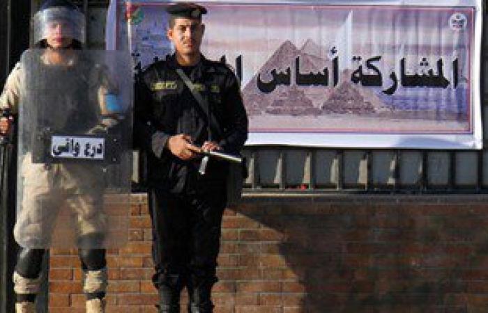 الشرطة تحتجز عضو حملة مرشح يوجه الناخبين فى الأميرية