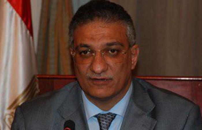 """وزير التنمية المحلية: """"الإقبال شكله مش كبير فى جولة الإعادة"""""""