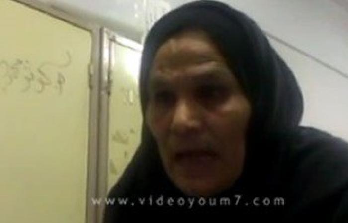 """بالفيديو.. ناخبة بالبساتين لمسئول لجنة:""""عايزة انتخب تانى ولا تاخد الـ50جنيه"""""""