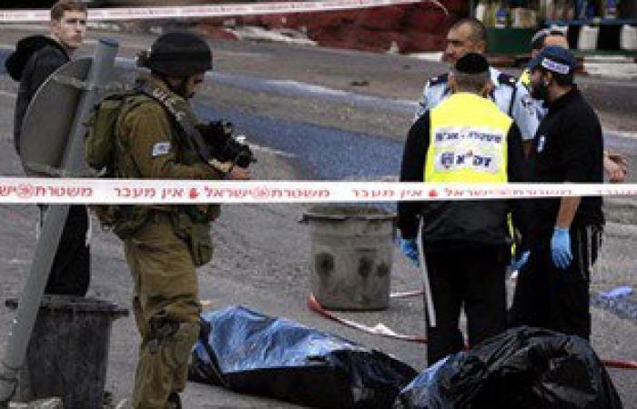 بالصور.. استشهاد فلسطينى بعد طعنه شرطيا إسرائيليا بالقدس المحتلة