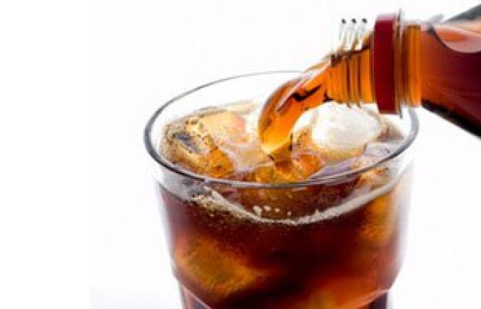 أطعمة غذائية تضر البشرة وتسبب التجاعيد أهمها المشروبات الغازية
