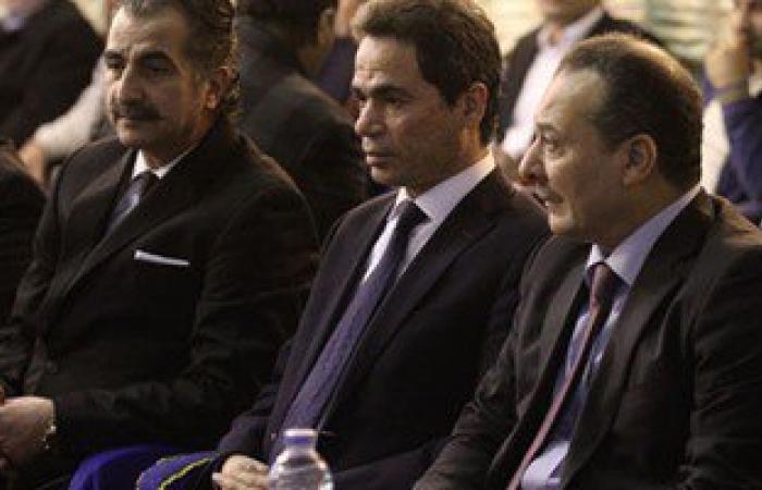 أحمد المسلمانى وشوبير وزينة وهيثم شاكر يشاركون بعزاء والدة شريهان أبو الحسن