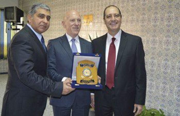جامعة المنصورة توقع برتوكول تعاون مع معهد إليكانتا لطب العيون