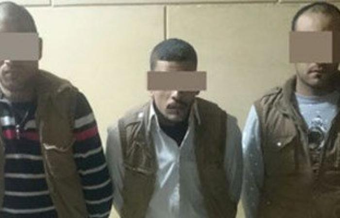 ضبط 3 عاطلين قبل ترويجهم كمية من الحشيش بمركز الحسينية بالشرقية