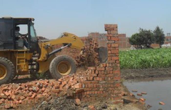 إزالة 30 حالة تعدٍ على الأراضى الزراعية فى قليوب