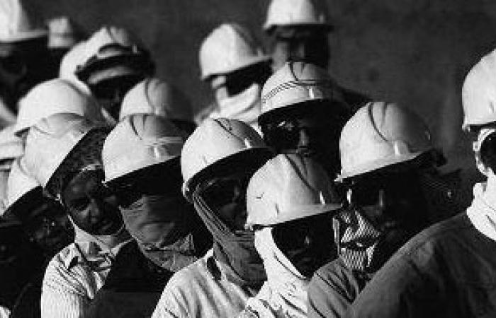 بعد الإدانات الدولية بسبب وفاة عمال أجانب.. قطر تزعم: ماتوا بحوادث متفرقة
