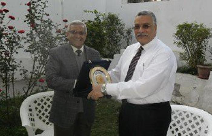 جامعة المنيا تكرم اللواء حسن سيف مدير أمن المحافظة السابق تقديرا لجهده
