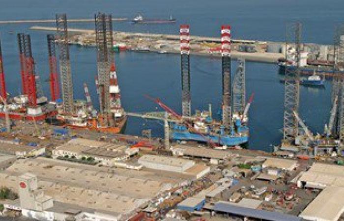 الإمارات تحبط محاولة باخرة إيرانية تهريب أشخاص ومخدرات عبر ميناء الشارقة