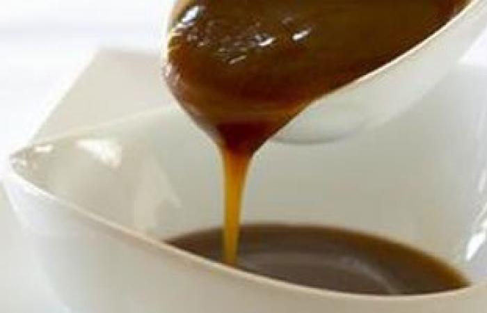 ضيفه على العصير وكله بالطحينة..العسل الأسود لزيادة الوزن وعلاج النحافة